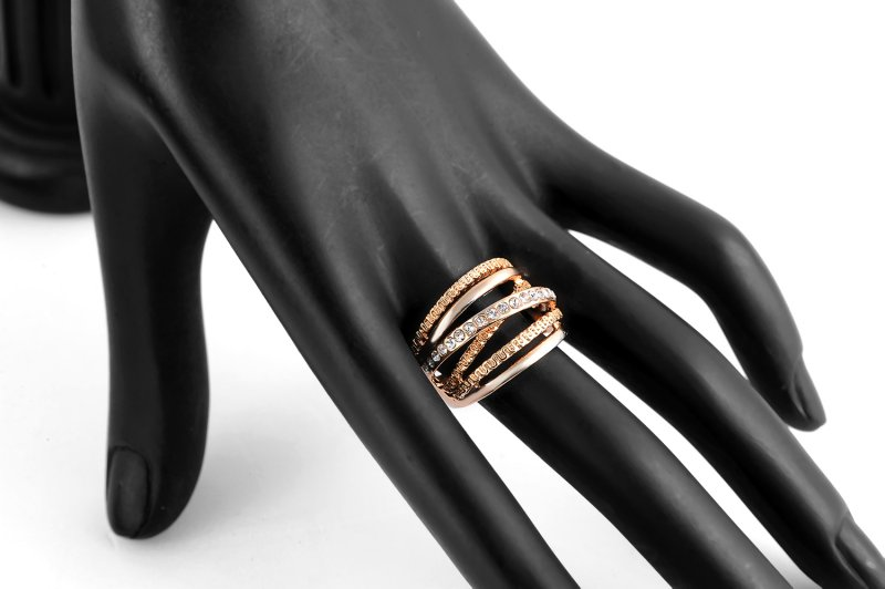ROXI Brand Women Ring Rose Gold Color Finger Engagement Rings for Women Wedding Rings anillos Body Jewelry Size 6 7 8 9 10 in Rings from Jewelry Accessories