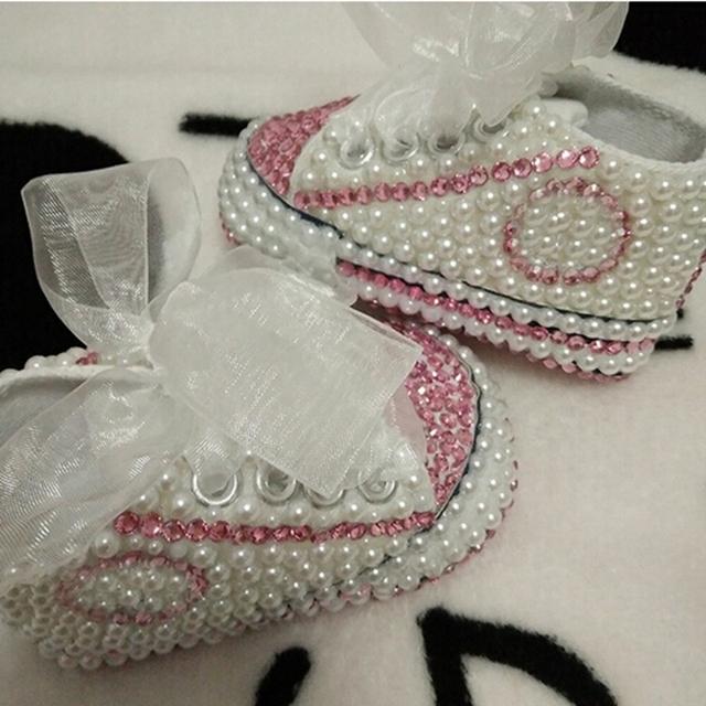 Frete grátis rhinestone Cristal Bebê Menina sapatos Primeiros Caminhantes Criança sapatos feitos à mão Bling Do diamante talão suave pérola príncipes adorável