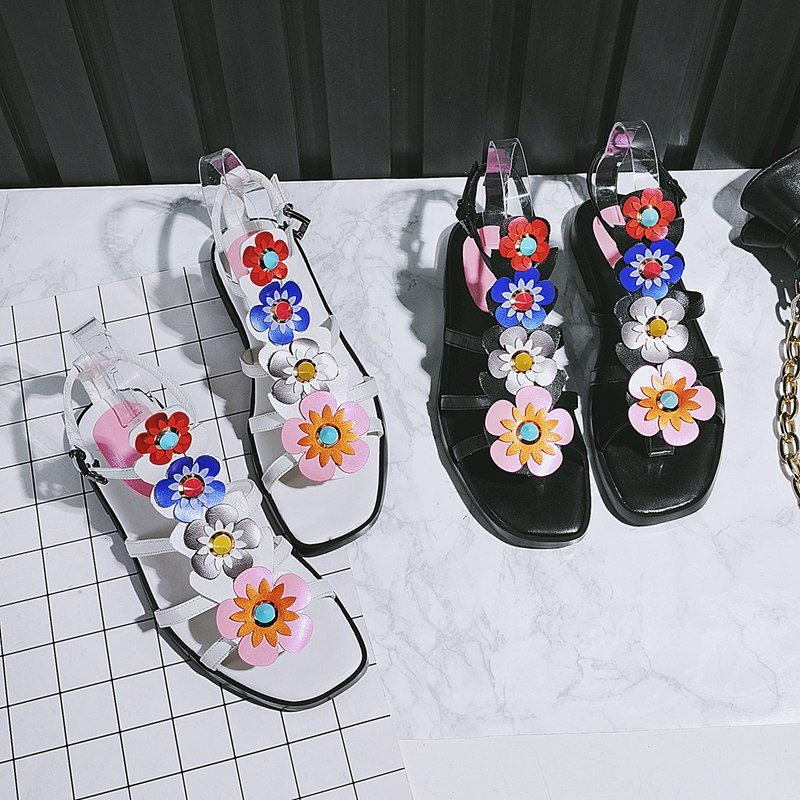 цена  Women shoes sandals fashion new style 2017summer girls flat with flowers genuine leather casual rubber low heels ladies open toe  онлайн в 2017 году