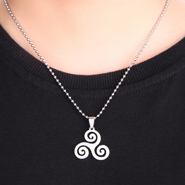 Pendants Necklace Stainless Steel Triple Spiral Charm Triskel Inspired Necklaces Women High Quality Gifts for your love