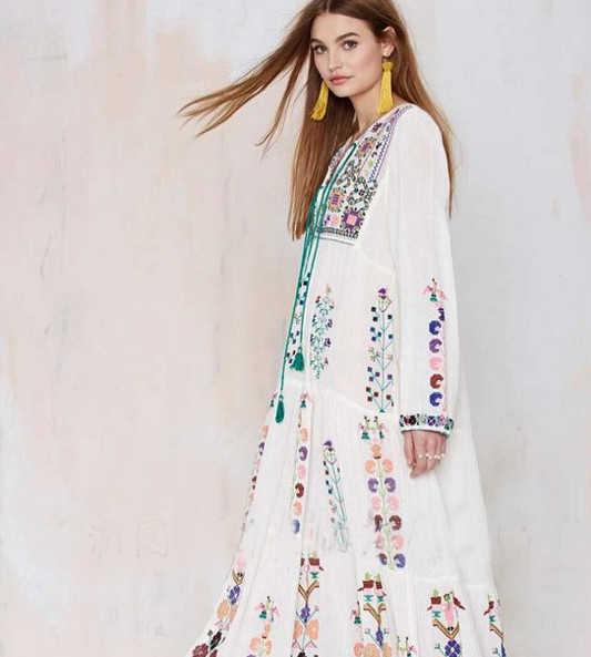 Robe Femme ציצית כותנה פרחוני רקום מקסי שמלת צווארון V שרוול ארוך לבן קיץ שמלות וינטג 'Boho שיק נשים שמלה