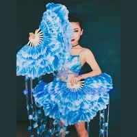 中国の伝統的な花祭りパーティーコンサート歌手ファンダンス
