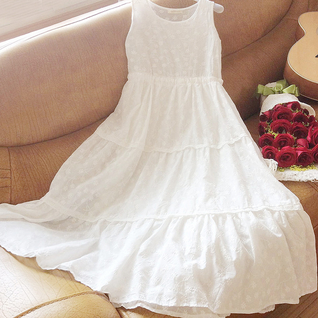Free Shipping 2017 New Fashion Summer Embroidery Sleeveless 100% Cotton One-piece Long Maxi Dresses White Big Bottom Dresses