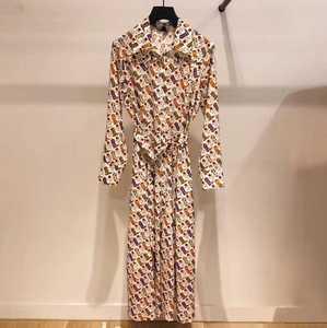 2019 الخريف والشتاء جديد مزاجه الأحذية ملابس منقوشة بكم طويل مريحة المرأة فستان طويل