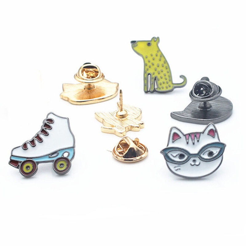 1 Pc Mode Skates Skating Schuhe Kleine Welpe Oder Kätzchen Tier Tropf Serie Abzeichen Dekoriert Taschen Dekorative Cartoon Emaille Abzeichen Reine WeißE