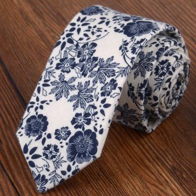 2017 new British luxury Korean version of the narrow version of the narrow striped mens clothing business tribute groom groom m
