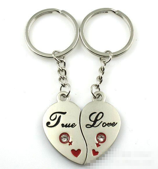 1Pair Couple Keychain Love Heats Key Ring Silver Plated Lovers Love Key Chain Souvenirs Valentine's Day Gift C384