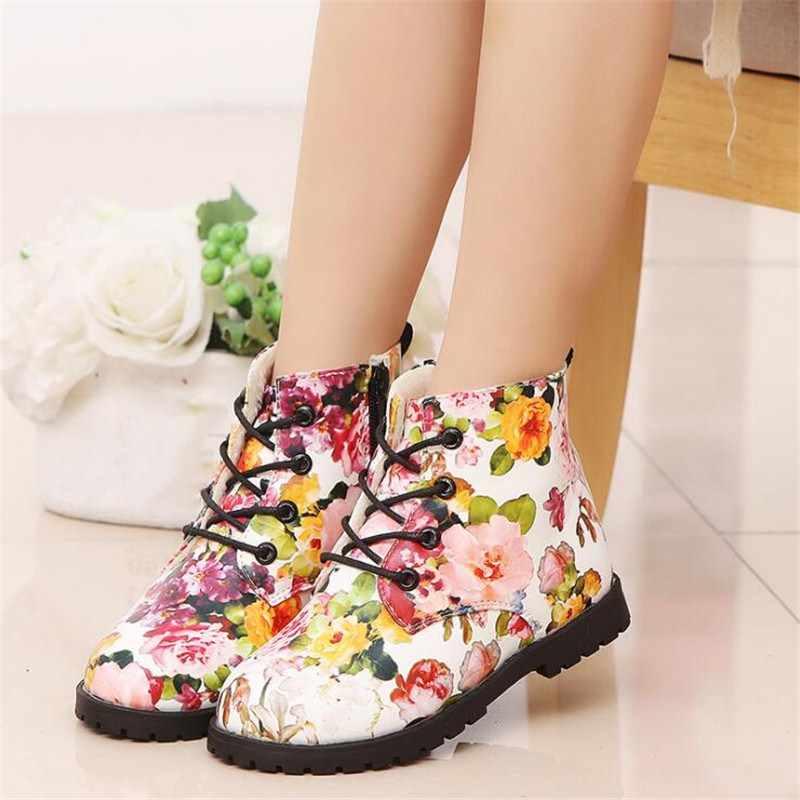 子供暖かいブーツ 2018 新冬の子花スニーカーラバーソール女の子優雅なフラワープリントマーティンレディースガールズスノーブーツの靴