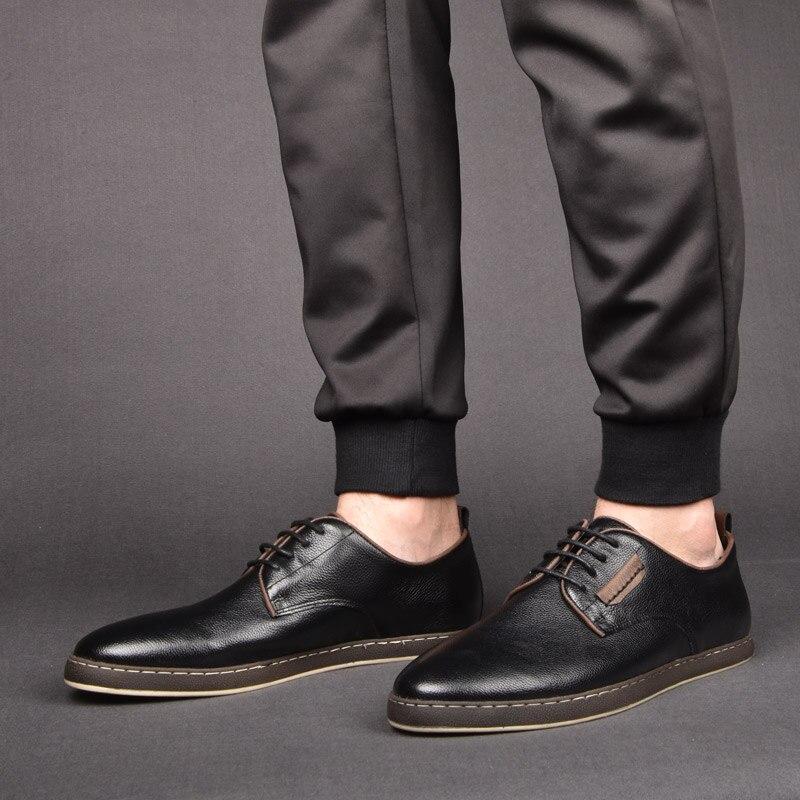 bfb7081881 OSCO Sapatos Tendência Da Moda Dos Homens Britânicos Coreano Sapatos  Primavera Outono Verão Couro Genuíno Respirável Plana Sapatos Casuais Homens  de ...
