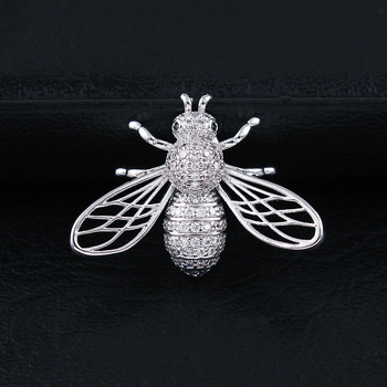 CINDY XIANG Cubic Zirconia Bee Brooches For Women And Men Unisex Fashion Copper Pin Insect Small Collar Brooch Luxury Accesories cindy xiang blue shark brooch women and men brooch pin unisex enamel brooches vivid animal jewelry badages fashion accessories