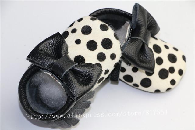 Top qualidade do cabelo do cavalo de Couro Genuíno preto polka dots Bebê Mocassins arco Macio Moccs Bebê Sapatos Anti-slip Infantil sapatos Calçado