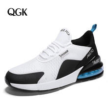 QGK זכר אופנה נעליים יומיומיות סניקרס גברים נעלי Chaussures יוצקים Hommes לנשימה באיכות גבוהה למבוגרים סניקרס גדול גודל 36 46