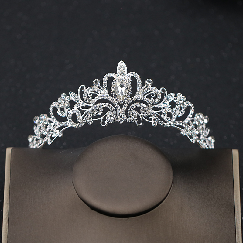 TUANMING Crystal Heart Tiara Crown Silver Headband Rhinestone Hair Jewelry Bride Wedding Hair Accessories For Women Headdress