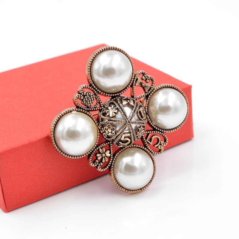 Cindy xiang nova chegada 2018 pérola cruz estilo broches para as mulheres barroco jóias broche pino do vintage moda casaco acessórios