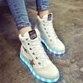 Tamanho 35-40 Sapatos Luminosos LED Para As Mulheres Da Moda Led Light Up Shoes Branco/Preto High Top Casual Sapatos crescentes