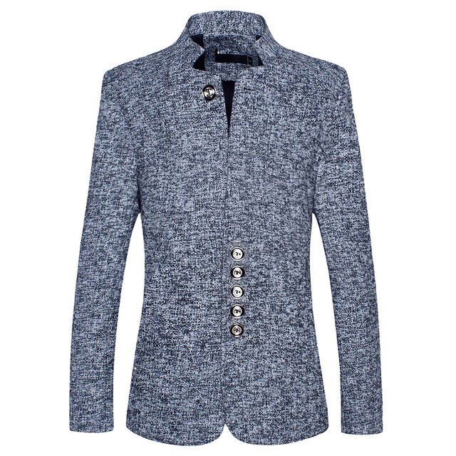 During the spring and autumn 2018 men favors the leisure suit Young fashion suits