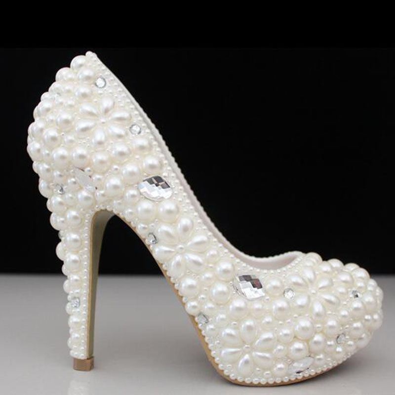 2017 women shoes handmade luxury pearl crystal diamond wedding shoes  platform bridal shoes female high heels dress shoes pumps-in Women s Pumps  from Shoes ... b5a8e5af6b60