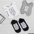 Ripndip japonés harajuku dedo medio cat tobillo calcetines mujeres hombres calcetines del barco del algodón divertido de la historieta para los amantes