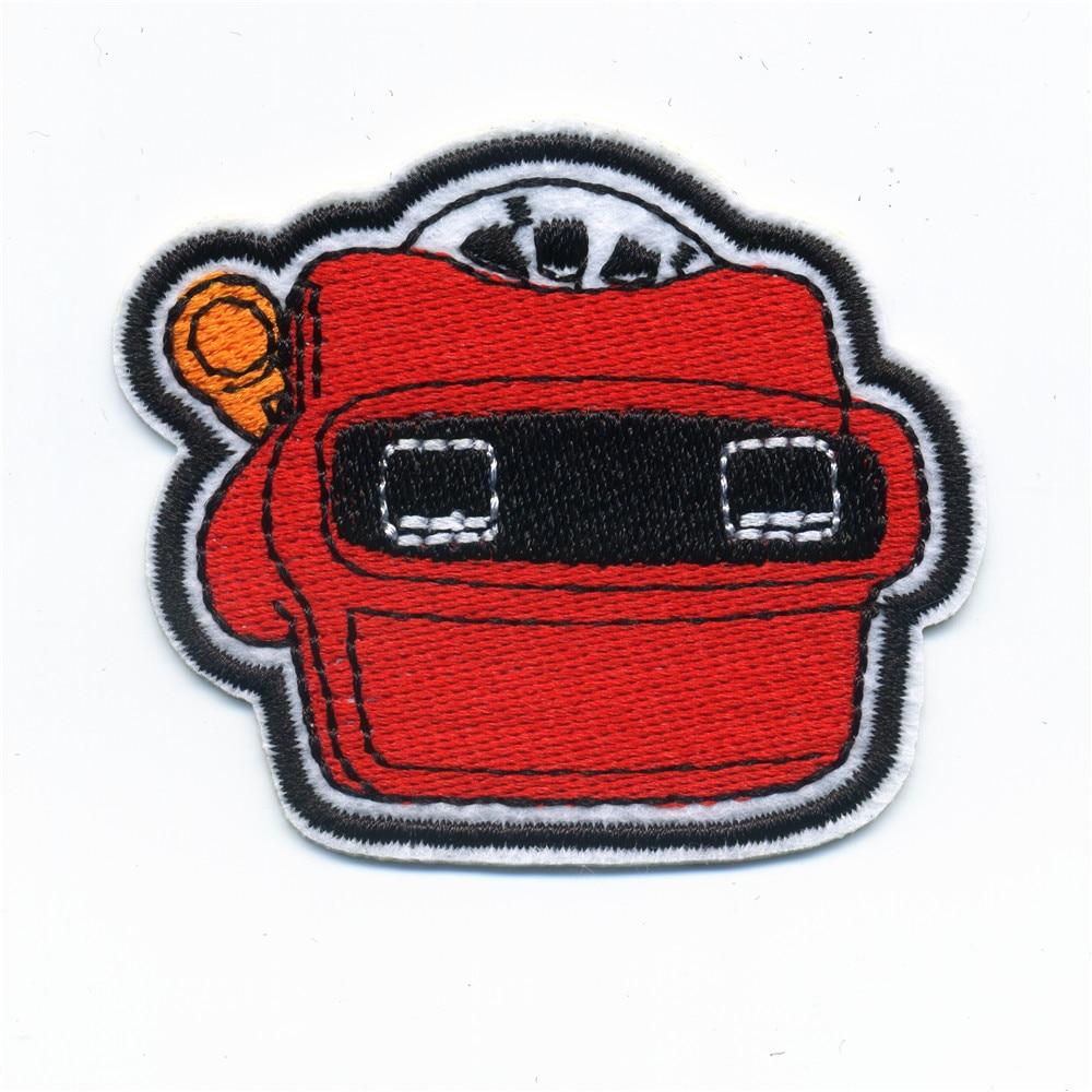 b2c4c70eb O Carro Vermelho Manchas de Ferro Em Patch Bordado Para Roupas Vara no  Crachá Pasta Para Costurar Roupas Em Saco Calças Moda 2017