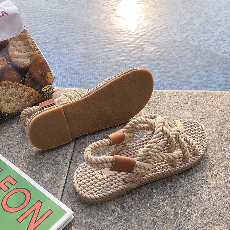 2019 แบรนด์ที่มีชื่อเสียงเชือกรองเท้าแตะผู้หญิง patchwork straw flip flops cross-tied gladiator sandalias ผู้หญิง lace up cutout slipp