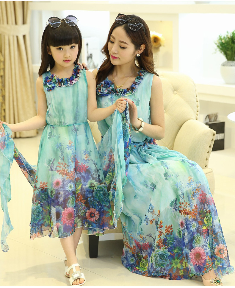 New Matching Mother Daughter Clothes Family Outfits Chiffon Flower Beach Long Sleeveless Dresses Summer Style Dresses