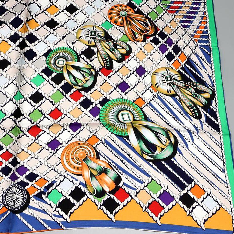 Image 3 - HANSCARF Square Silk Scarf Women 90*90cm Bandana Hijab 100% Silk Twill Scarves & Wraps Shawl Foulard 2017 New Fashion Printed-in Women's Scarves from Apparel Accessories