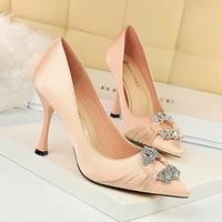 Womens Shoes Heels Ladies Party Pumps Red Silk High Heels Sapatos Feminino Wedding Shoes Bride Shiny Shoes Rhinestone Sexy Pumps