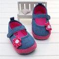 Nova venda quente do bebê meninas calçados com flor magenta azul marinho denim princesa criança primeiros sapatos caminhantes infantil de menina de 0-18 m