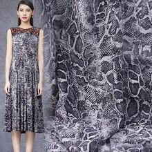 0a02bda2ae 2018 moda skóra węża ziarna cyfrowy obraz georgette z naturalnego jedwabiu  tkaniny na lato sukienka bazin