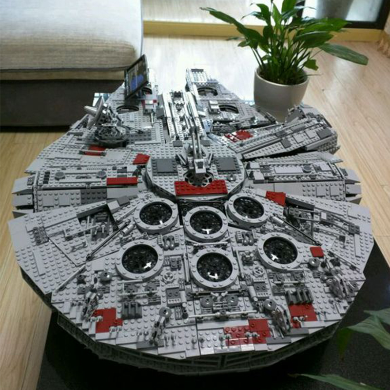 LEPIN 05033 5265Pcs Star Series Wars Ultimate Collector's Millennium Falcon Model Building Kit Blocks Toy Compatible 10179 lepin 05035 star wars death star limited edition model building kit millenniums blocks puzzle compatible legoed 75159