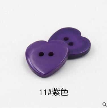 Красивые 1 лот = 100 шт полимерные кнопки в форме сердца 2 отверстия пластиковые кнопки Швейные аксессуары для одежды DIY для детской одежды кнопка мешок - Цвет: 11-purple