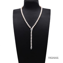 db3fde91c012 JYX elegante perla collar largo 8-9mm redonda natural blanco agua dulce  perla cultivada suéter ajuste collar de la 26