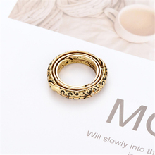 Lateefah 2019 Hot Sell Astronomical Ring Rotating Clamshell