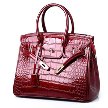 2019 Autumn and Winter New Embossed Platinum Bag Ladies Fashion High Quality Messenger Shoulder Products