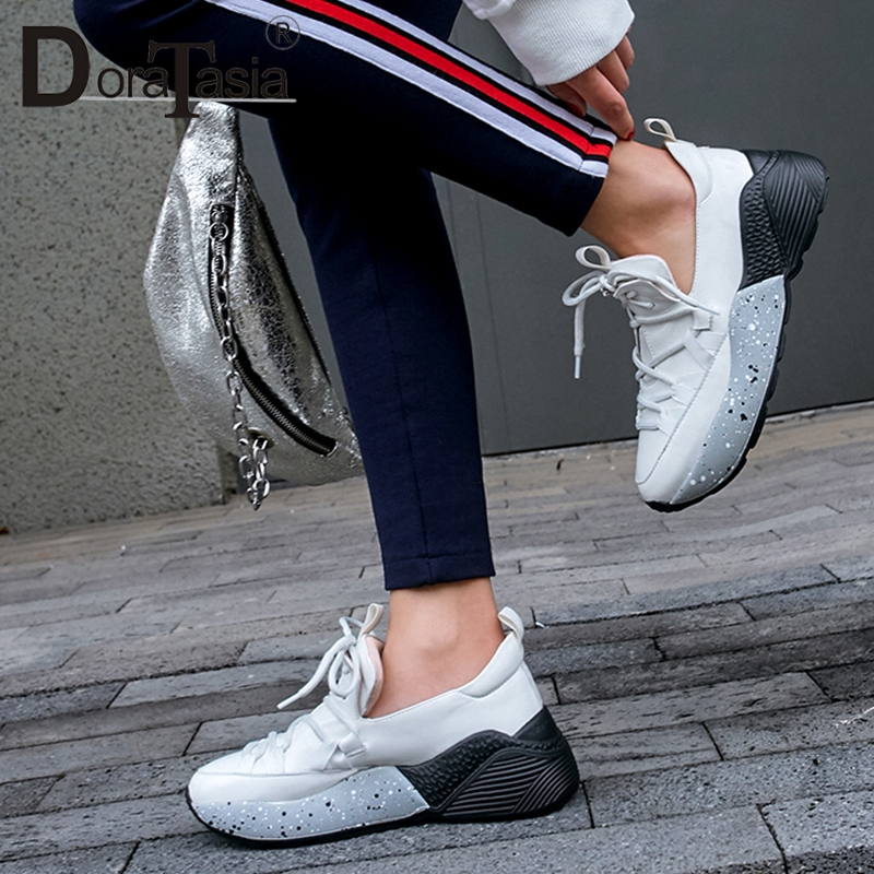 DoraTasia 2019 New Spring Genuine Cow Leather Comfortable Women Sneakers Lace Up Flat Platform Casual Sneakers Women Shoes WomanDoraTasia 2019 New Spring Genuine Cow Leather Comfortable Women Sneakers Lace Up Flat Platform Casual Sneakers Women Shoes Woman
