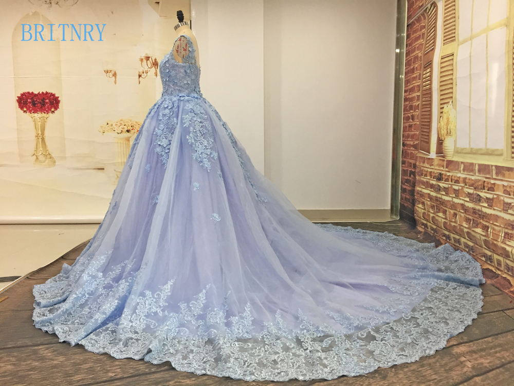 BRITNRY Elegant Scoop Sleeveless Lace Appliques Tulle Ball Gown Long Train Blue Wedding Dress Custom