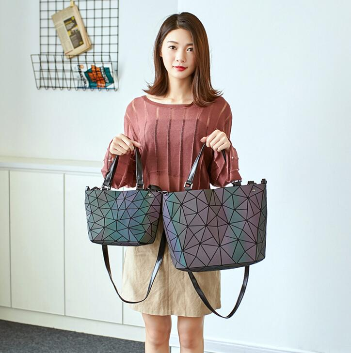 2019 bag New girls Geometric Handbag Laser Plain Folding bag Hologram Geometry Casual Totes for girls Free Shipping2019 bag New girls Geometric Handbag Laser Plain Folding bag Hologram Geometry Casual Totes for girls Free Shipping