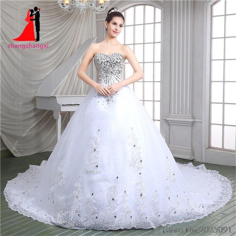 Nouveau Blanc Robes De Mariée 2017 Plus La Taille Robe De Mariée Tulle Dentelle Appliques Strass Robe De Mariée Train Royal robe de noiva
