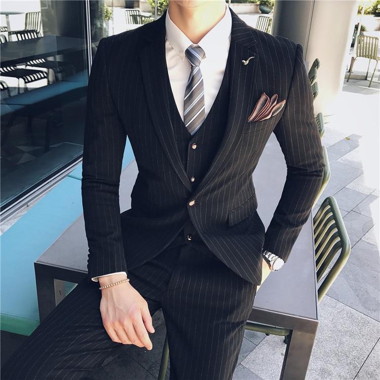 Traje de rayas gris de caballero traje de tres piezas de primavera y verano de los hombres Casual de negocios de citas fiesta atractivo traje de moda de los hombres