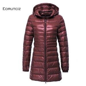 Image 4 - EORUTCIZ manteau Long en duvet de canard pour femme, grande taille 7XL Ultra léger, manteau à capuche Vintage noir chaud, automne LM143