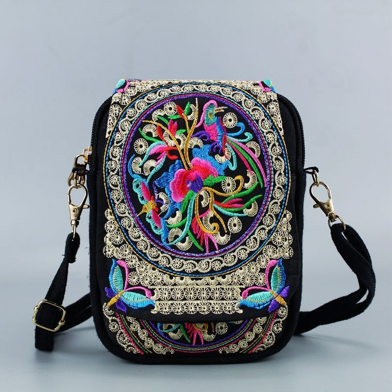2018 Vintage Chinese National Style Women Bag Ethnic Shoulder Bag Embroidery Boho Hippie Tassel Tote Messenger 2016 summer national ethnic style embroidery bohemia design tassel beads lady s handbag meessenger bohemian shoulder bag