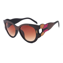 European American New Fashion Catwalk Sunglasses For Women Spectacles Patchwork Color Lady Shade Sun Glasses Wide Legs design H5
