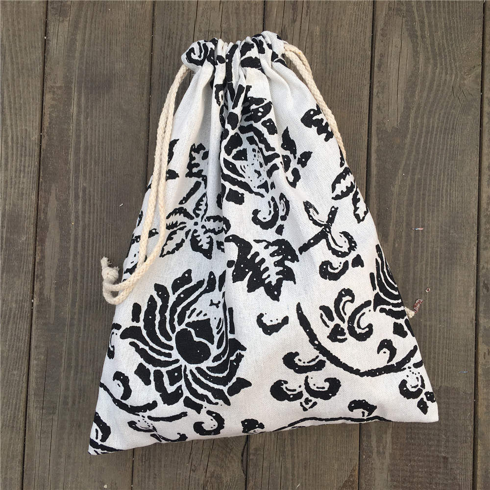 1pc Cotton Linen Drawstring Party Gift Bag Coin Phone Key Pouch Black Flower YILE812D