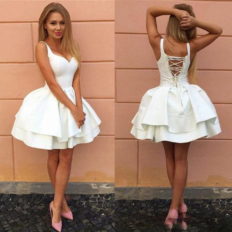 Sexy Criss cross Straps Backless Little White Homecoming Dresses V Neck Tiered Short Party Dresses 2017 Puffy Cheap Cocktail in Evening Dresses from Weddings Events