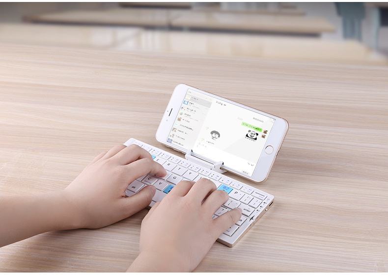 Fashion Foldable Bluetooth keyboard,Support multiple systems,free shipping