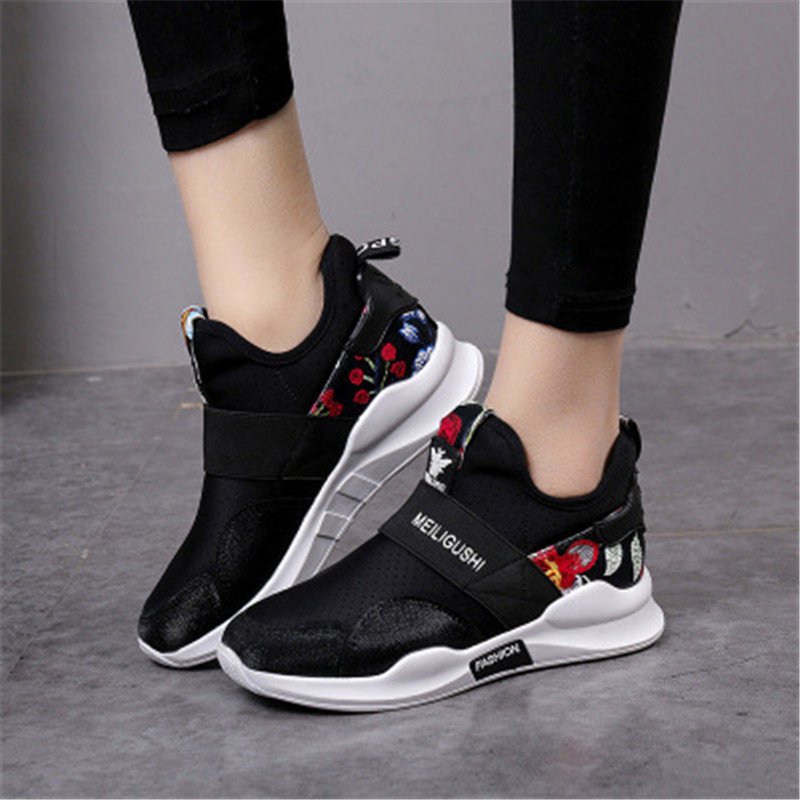 Light Breathable Women Sport Running Shoes athletic shoes Female Outdoor Comfortable soft Sneakers 2018 New Design Woman Shoes