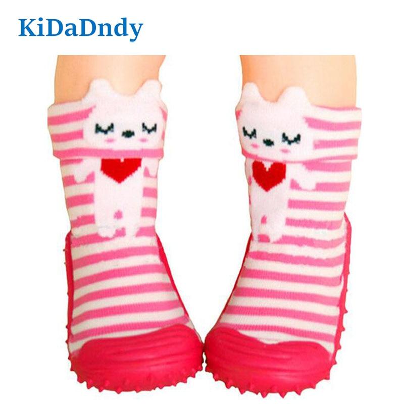 1Pair कपास प्यारा डिजाइन पशु छवि बेबी मोजे के साथ रबर तलवों फर्श जुर्राब गैर पर्ची नवजात बच्चा जूते मोजे
