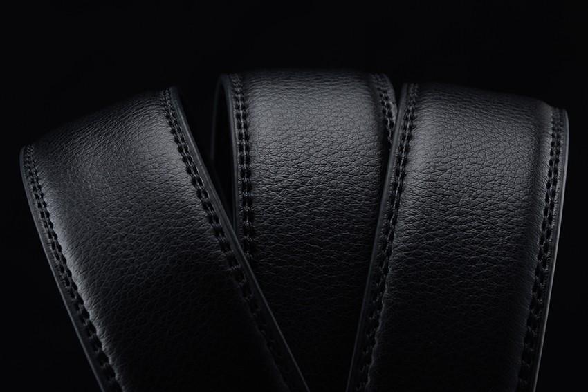 Mustad meeste püksirihmad erinevate pannaldega