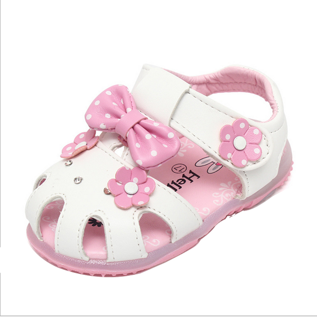 2016 summer new fashion lovely baby flashing light skin Princess Sandals bow flower girls shoes pink white round-toe buckle