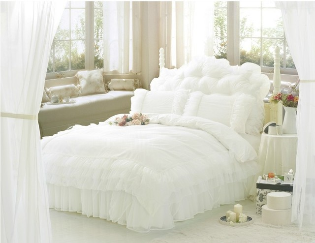 Free Shipping Luxury Snow White Lace Beautiful Bedding Sets Unique Princess Comforter Set Ruffle Duvet Covers Queen Twin 4 Pcs